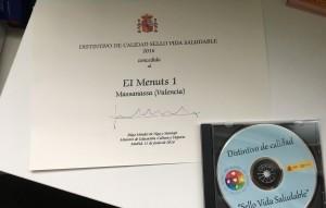 foto diploma menuts 1